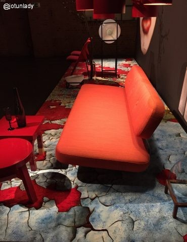RedBlueCarpetIl_Salone_Milano_2015_C.Julner/Jotun