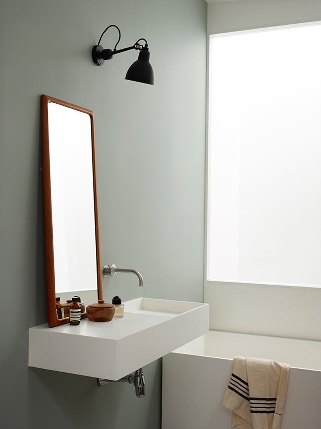 målade väggar i badrum