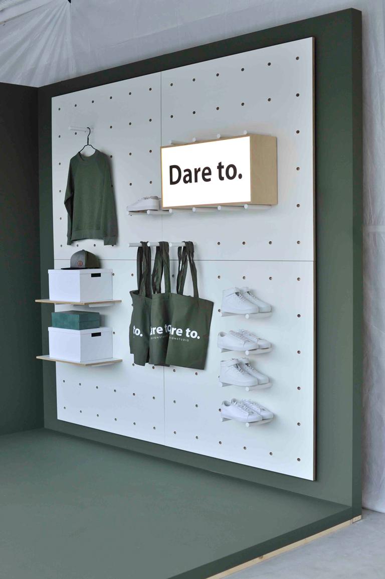 Daretodesign visar konceptvägg med hyllsystem.