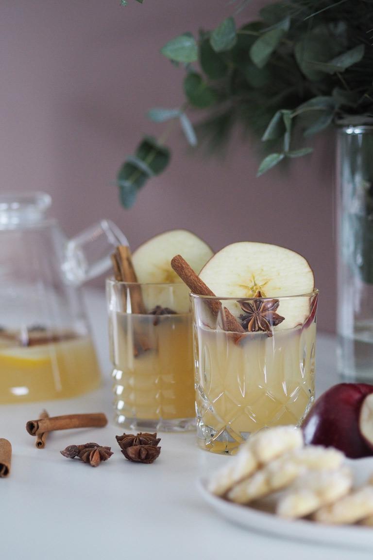 Julmys och härlig äppelglögg