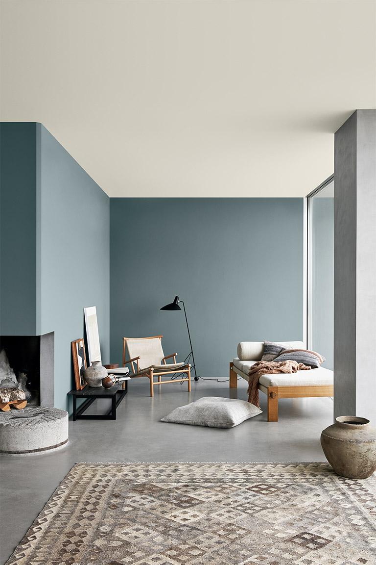Luftiga blå färger och tidlösa kontraster