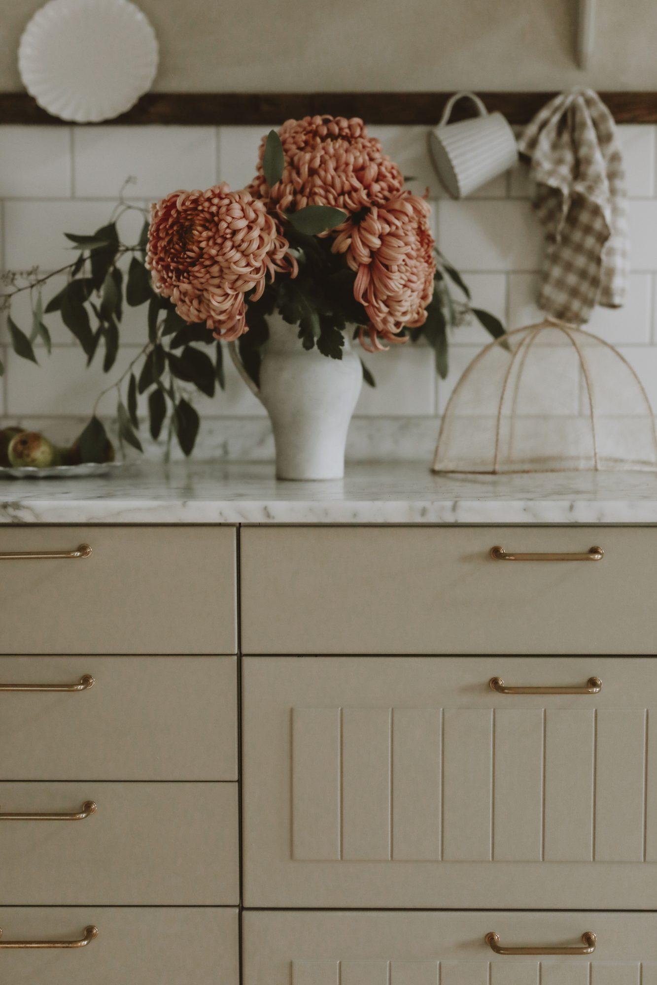 Så målar du om dina köksluckor